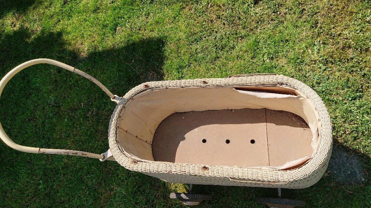 Wózek dziecięcy antyk